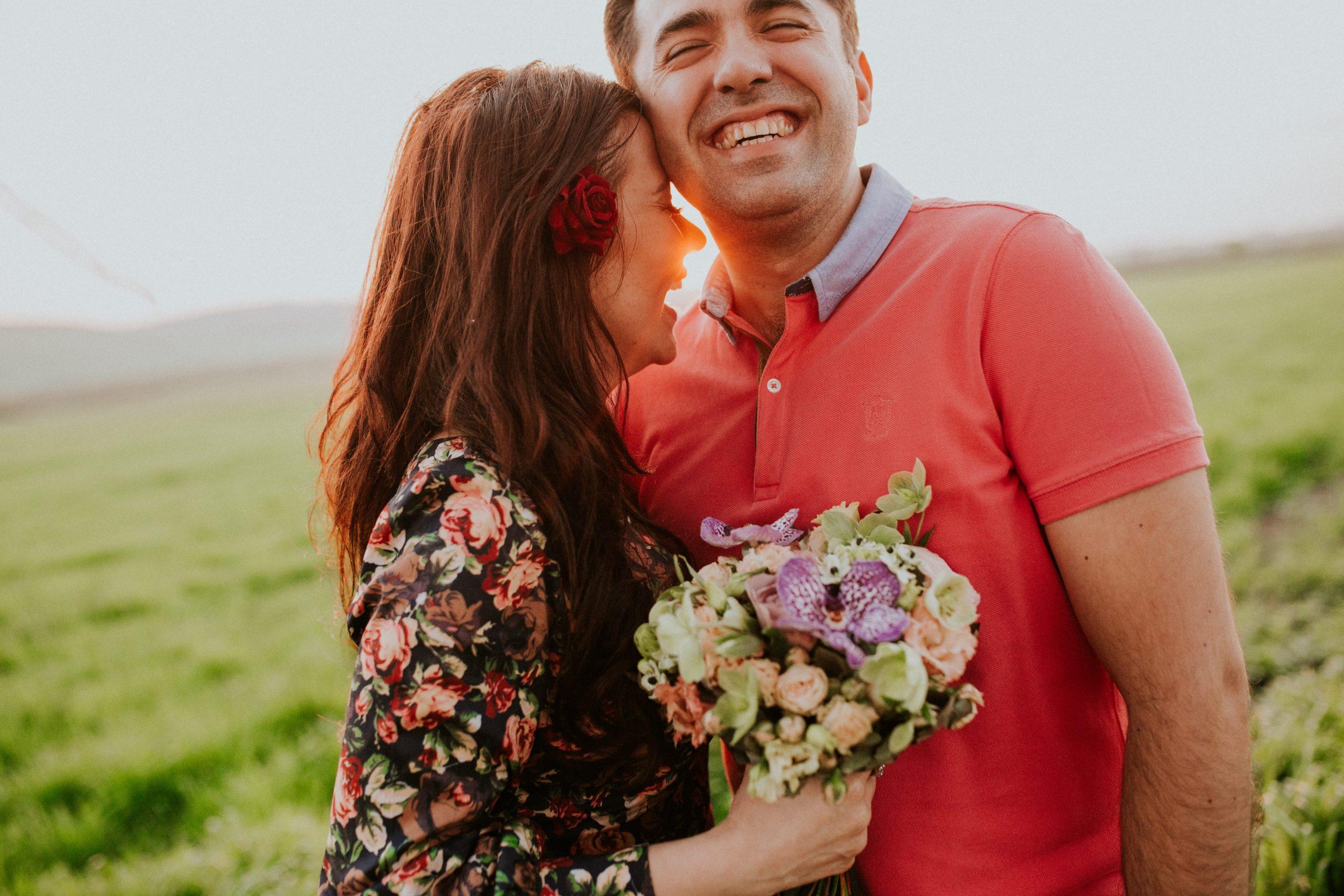 happy_couple_outdoors